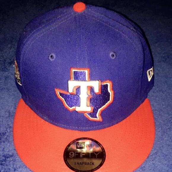 pretty nice c4686 6ef94 MLB, TEXAS RANGERS, SNAPBACK HAT, BLUE AND RED. NWT. New Era
